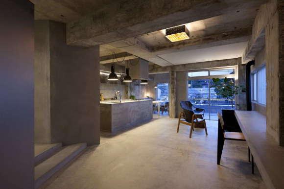 Бетонная квартира в Японии