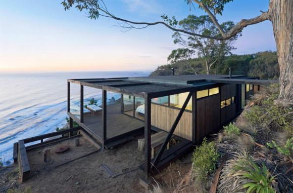 Дом на склоне у океана в Чили