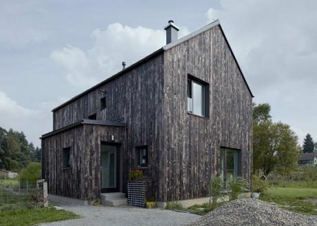 Углеродный дом (Dum Uhlik) в Чехию от Mjolk Architekti.