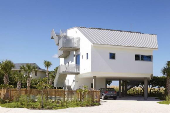 Дом у моря (Seagrape House) в США от Traction Architecture.