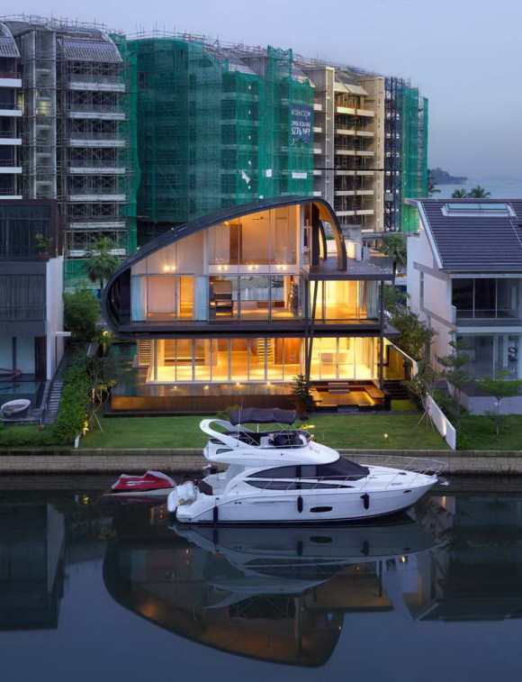 Waterfront Home in Singapore 1