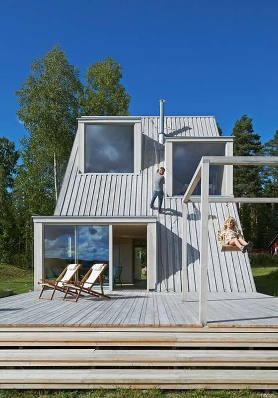 Треугольная дача (Triangular Summer House) в Швеции от Leo Qvarsebo.