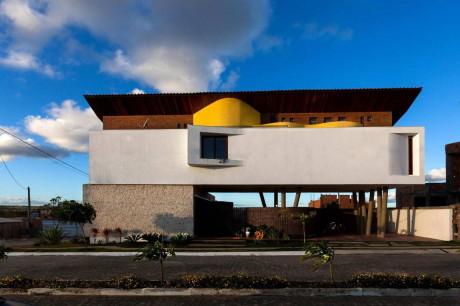 Дом для архитектора (Casa do Arquiteto) в Бразилии от Jirau Arquitetura.