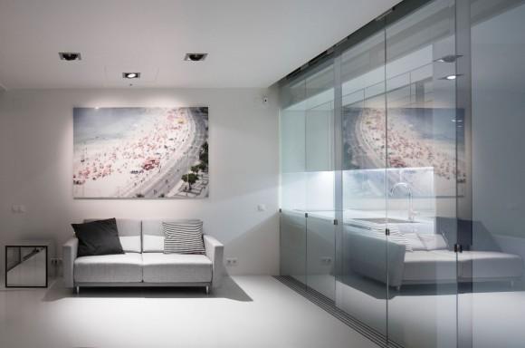 Стеклянная квартира в Португалии
