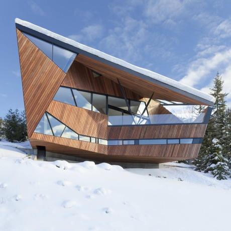 Дом на склоне в Канаде