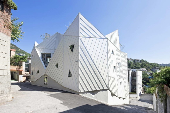 Цветущий дом (Blooming House) в Южной Корее от IROJE KHM Architects.
