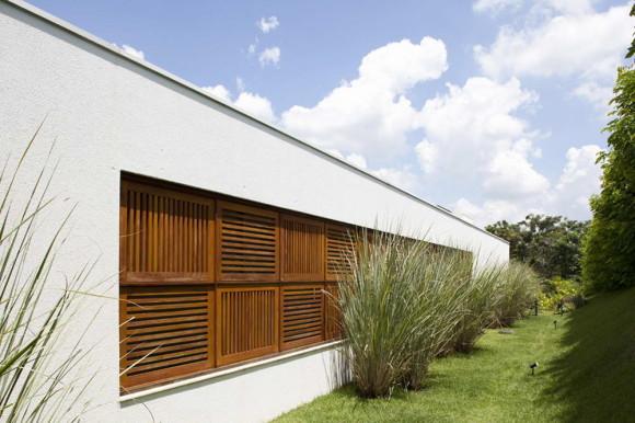 Дом со двором в Бразилии