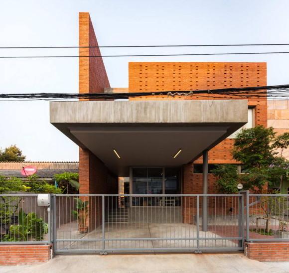 Ngamwongwan House 17