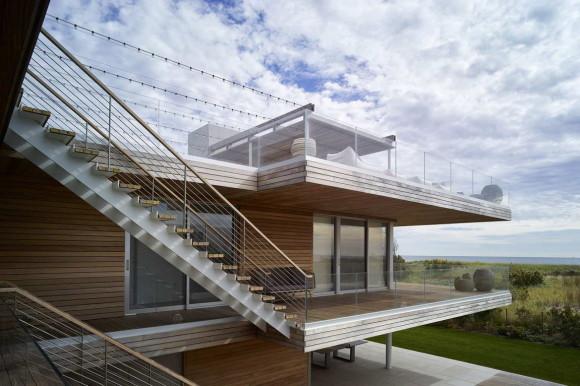 Дом с палубой у океана (Ocean Deck House) в США от Stelle Lomont Rouhani Architects.