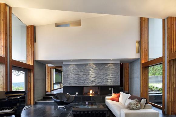 Дом на хребте (Ridge House) в Канаде от Marko Simcic & Brian Broster.