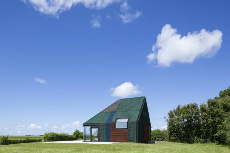 Резиновый дом (Rubber Holiday Home) в Голландии от Benthem Crouwel Architects.