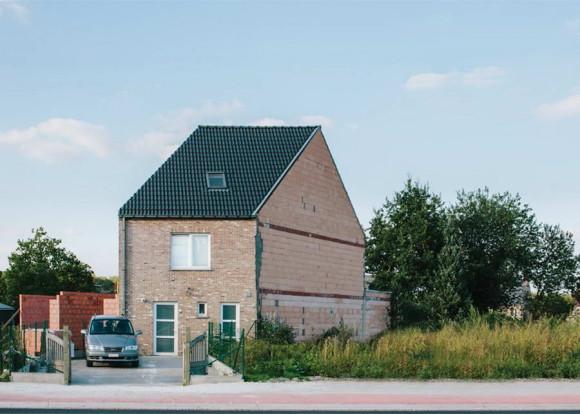 Некрасивые бельгийские дома (Ugly Belgian Houses) глазами фотографа Hannes Coudenys.