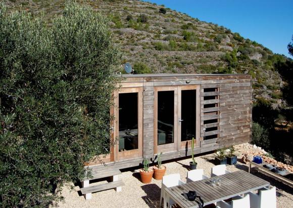 Деревянный заводской дом (Vivienda prefabricada en madera) в Испании от Daniel Marti, Jurgen Van Wereld и Karin Giesberts.