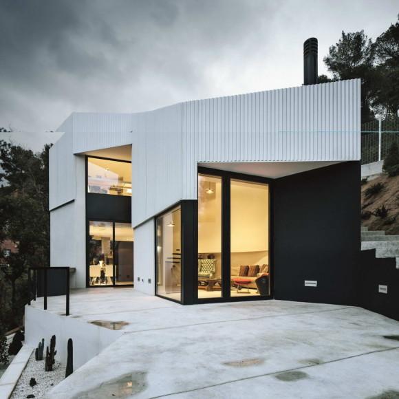 House AT 5