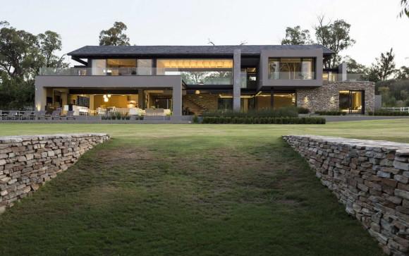 House in Blair Athol 11