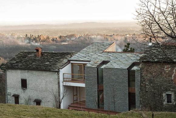 Дом в альпийских предгорьях (Alpine Foothills House) в Италии от deamicisarchitetti.