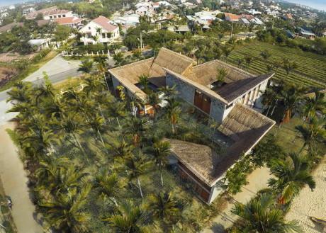 Общинный дом Кэм Тхань (Cam Thanh Community House) во Вьетнаме от 1+2>3.