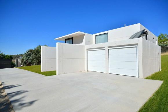 Модульная резиденция (Modular Residence) в Испании от Unique Houses.