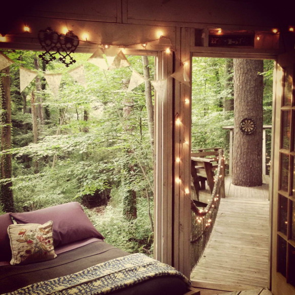 Secluded Intown Treehouse 11
