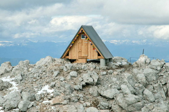 Домик для альпинистов