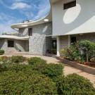 Вилла Клевер (Clover Villa) в Индии от Mistry Architects.