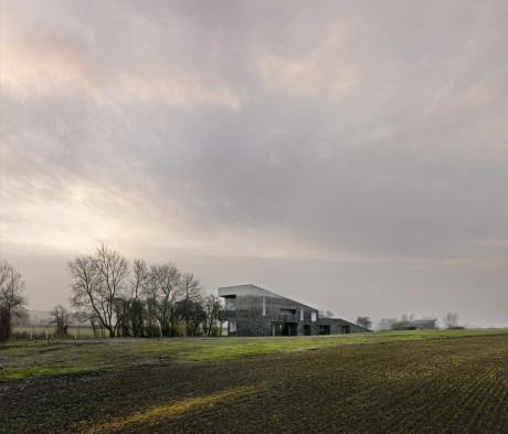 Каменный дом в Англии