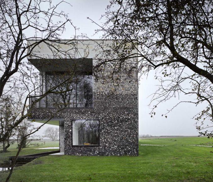 Дом Кремень (Flint House) в Англии от Skene Catling de la Pena.