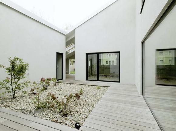 Малобюджетный кирпичный дом (Low Budget Brickhouse) в Австрии от Triendl und Fessler Architekten ZT OG.