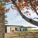 Дом Дубовый холм (Oak Knoll Residence) в США от Jorgensen Design.
