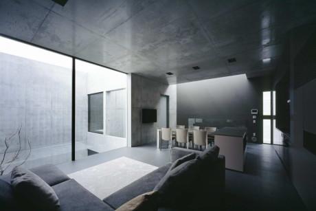 Бетонный минималистский дом в Японии