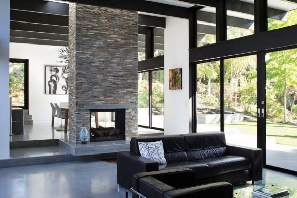 Современный дом с атриумом (Modern Atrium House) в США от Klopf Architecture.