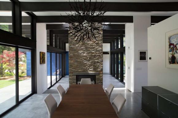 Modern Atrium House 18