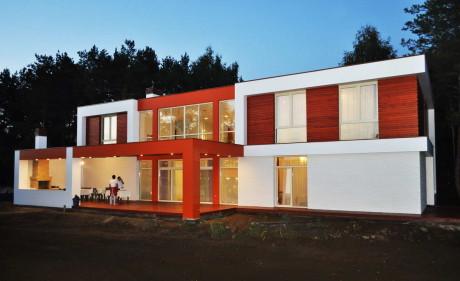 Современный загородный дом в Подмосковье