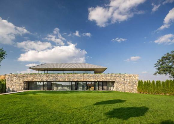 Observation House 7