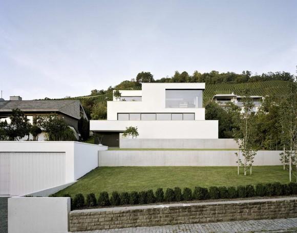Дом на склоне в Германии