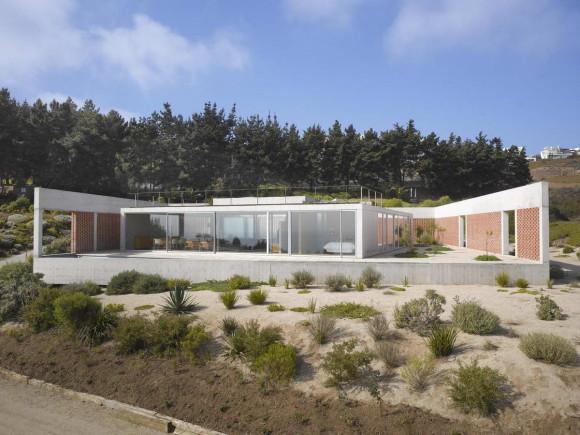 Дом с дворами в Чили