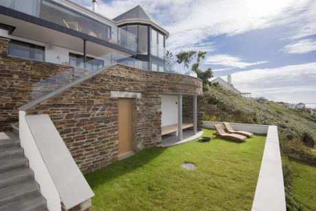 Дом на склоне у моря в Англии