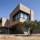 Односемейный кирпичный дом (Single-Family Brick House) в Испании от Mariano Molina.