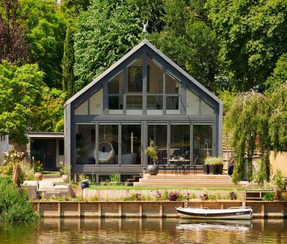 Amphibious House 12