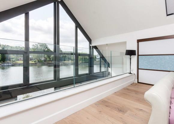 Amphibious House 8
