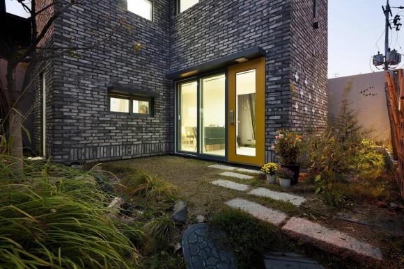 Цветущий дом с полевыми цветами (Blooming House with Wild Flowers) в Южной Корее от studio GAON.