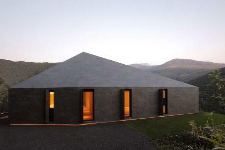 Минималистский дом в Швейцарии