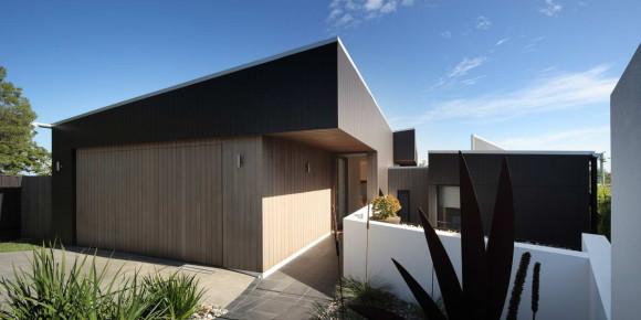 Seven Hills residence by Shaun Lockyer Architect