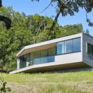 Коробка на камнях (Box on the Rock) в США от Schwartz and Architecture.