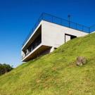 Дом JJ (House JJ) в Бразилии от Obra Arquitetos.