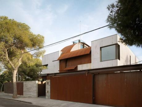 Бетонный дом в Испании