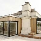 Деревянное расширение (Extension bois a Meudon) во Франции от Atelier UOA.