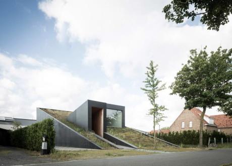 Дом-холм в Бельгии