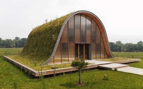Дом-холм во Франции