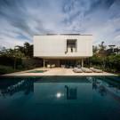 Белый дом (White House) в Бразилии от Studio MK27 & Eduardo Chalabi.